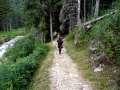 Sentier avant le premier chalet