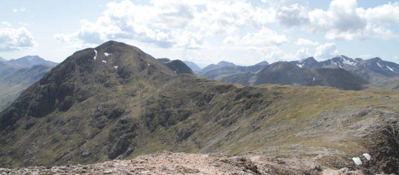 Buachaille Etive Mor : Curved Ridge, retour par le Stob na Doire
